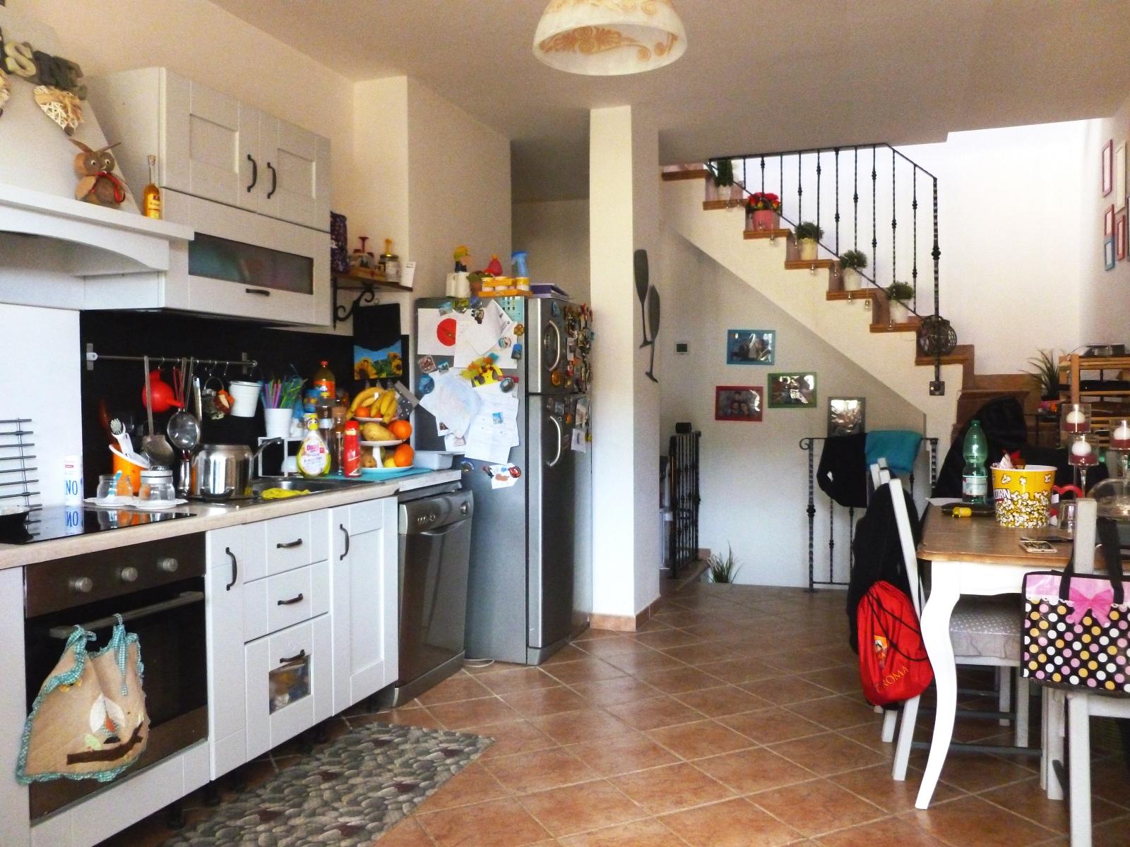 Roma Infernetto Via Licinio Refice - Immobiliare De Marchi